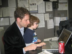 Blogging at the radio studio with Benicio